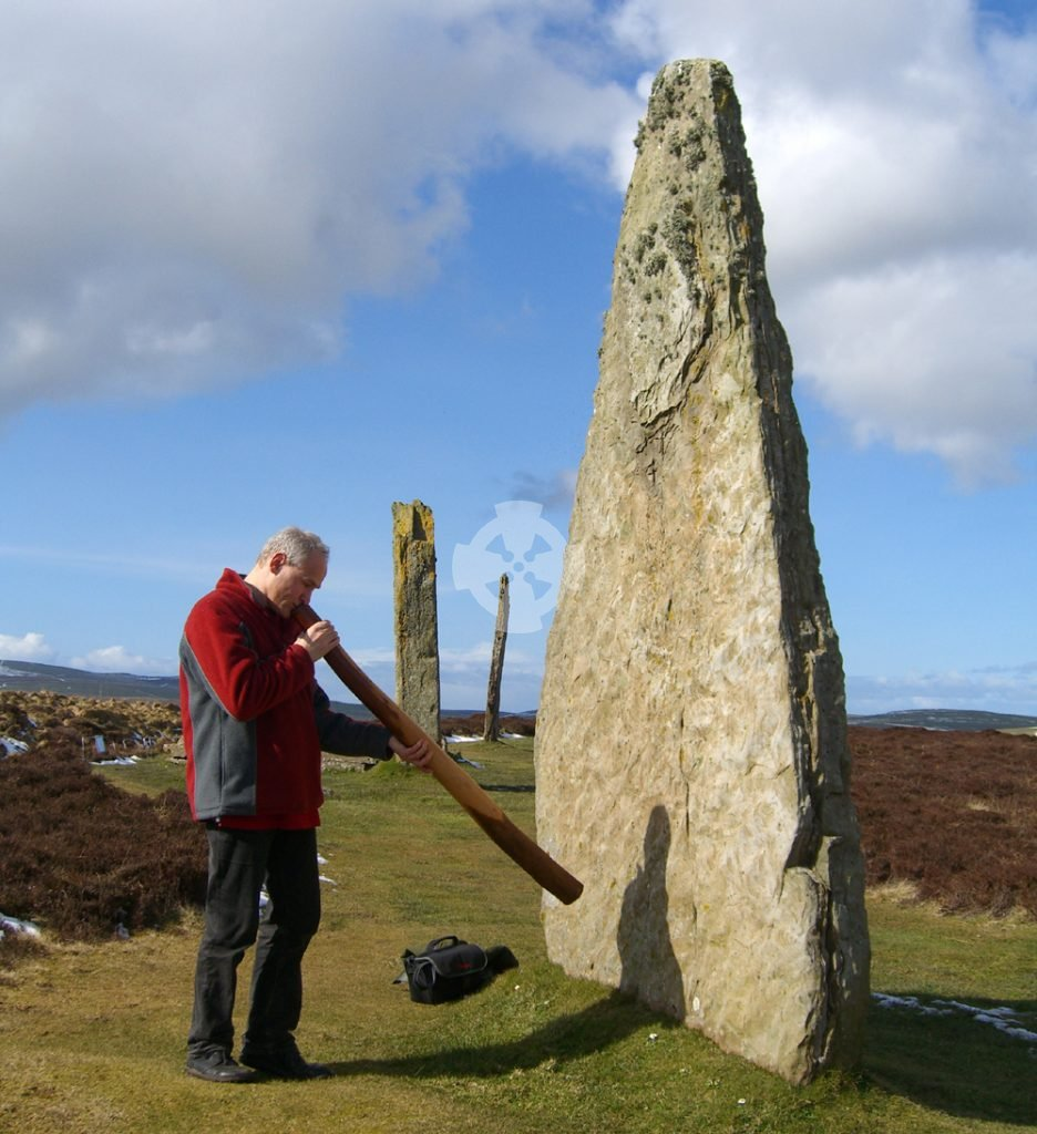 playing didgeridoo at brodgar